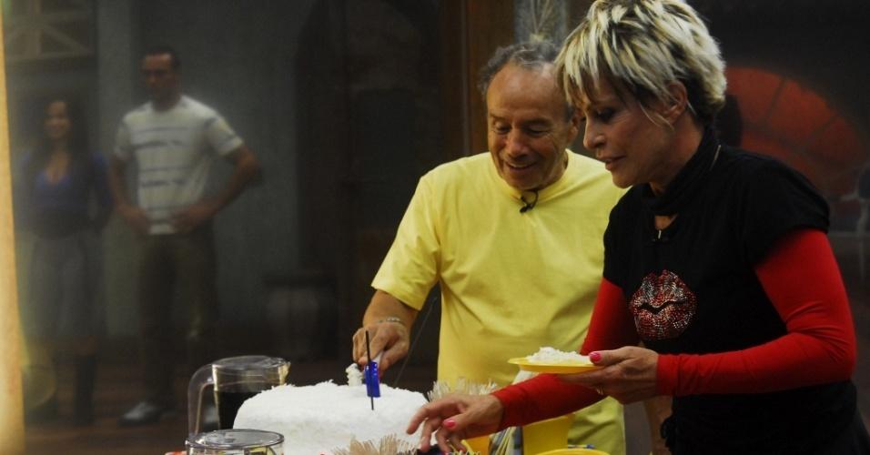 Stênio Garcia e Ana Maria Braga confraternizam no intervalo da