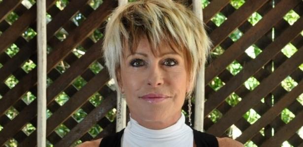 A apresentadora Ana Maria Braga conta que o lançamento de seu romance