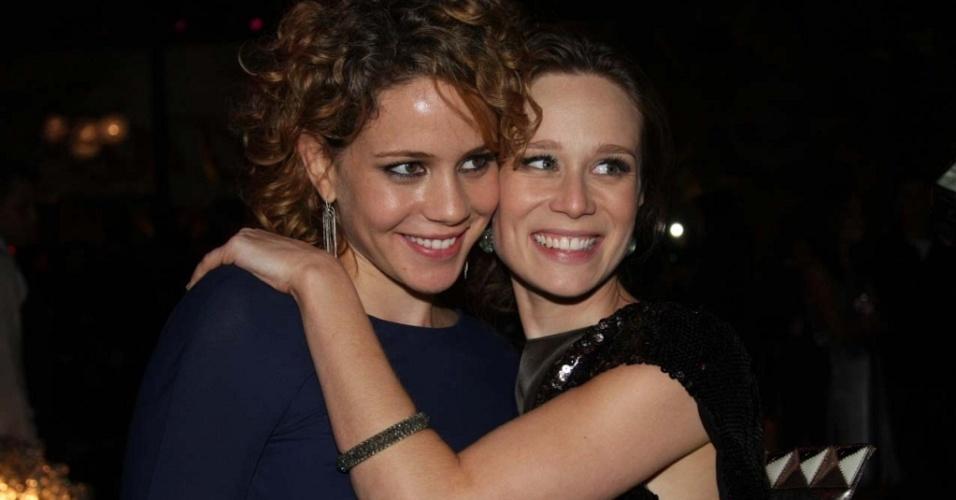 """As atrizes Leandra Leal e Mariana Ximenes na festa de lançamento de """"Passione"""" na Casa Fasano, em São Paulo (10/5/2010)"""