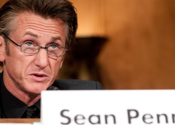 O ator Sean Penn participa de uma audiência no senado americano sobre o terremoto no Haiti, em Washington (19/5/2010)