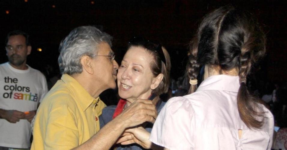 Caetano Veloso e Fernanda Montenegro se encontram em espetáculo infantil de Adriana Calcanhoto no Rio (22/5/2010)
