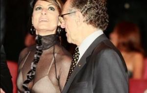 Fernanda Abreu e ao lado do presidente do COI (Comitê Olímpico Brasileiro), Carlos Artur Nuzman no Teatro Municipal do Rio de Janeiro (27/5/2010)