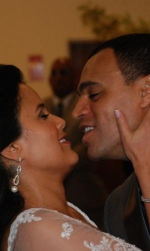 Luciele Di Camargo e Denílson se casam em São Paulo (30/5/2010)