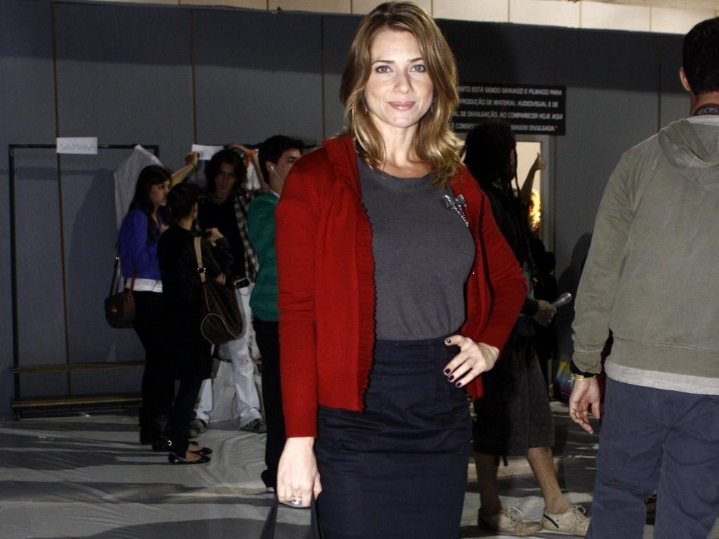 A atriz Letícia Spiller no Fashion Rio (31/5/2010)