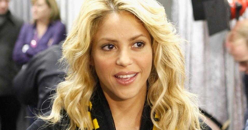 Shakira usa cachecol do Bafana Bafana no Orlando Stadium em Johannesburgo (10/6/2010)