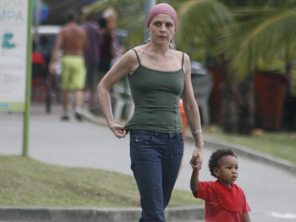 Drica Moraes passeia na Lagoa Rodrigo de Freitas (29/5/10)
