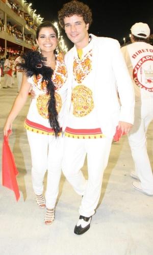 Vanessa Giácomo e Daniel de Oliveira durante desfile da escola de samba Unidos do Viradouro, no Rio (15/2/10)