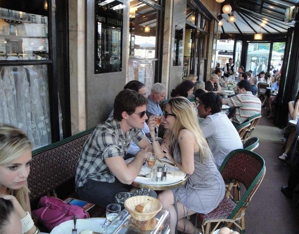 Jonatas Faro e Danielle Winits em clima de romance em Paris (30/6/10)