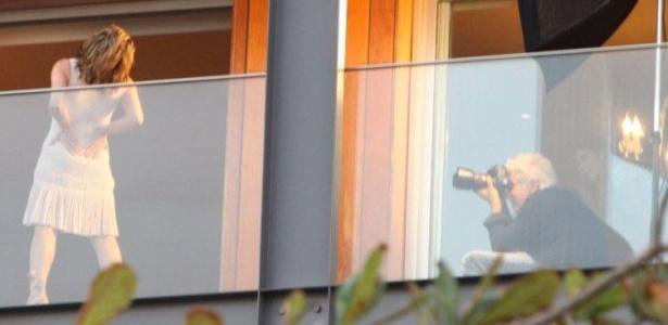 A atriz Maitê Proença posa para as lentes de JR Duran, na varanda do hotel Fasano, no Rio de Janeiro (8/7/10)