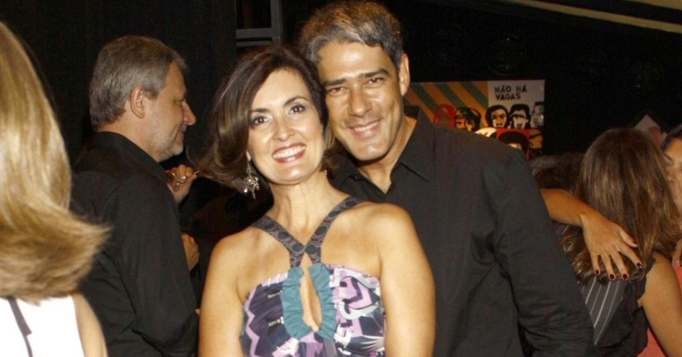 William Bonner e Fátima Bernardes no aniversário de Regina Martelli, no Rio (1/3/10)