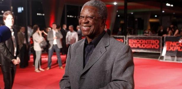"""Milton Gonçalves na pré-estreia do filme """"Encontro Explosivo"""", no Rio: judeu em peça (6/7/2010) - AgNews"""