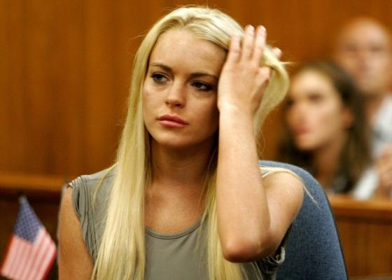 Lindsay Lohan durante sua audiência em tribunal de Beverly Hills, no dia em que começa a cumprir pena de 90 dias de prisão (20/7/2010)