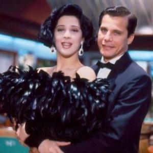 Edson Celulari como Ricardo Bismark e Cláudia Raia como Maria Escandalosa, na novela