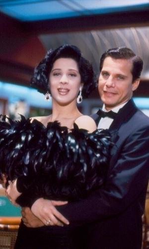 """Edson Celulari é Ricardo Bismark e Cláudia Raia é Maria Escandalosa na novela """"Deus nos Acuda"""", de 1992. Foi nessa época que os dois começaram a namorar"""