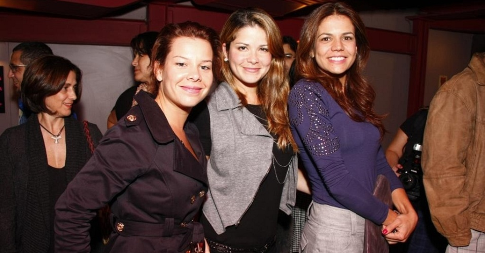 Da esquerda para a direita, Fernanda Souza, Samara Felippo e Nívea Stelmann na estreia da peça
