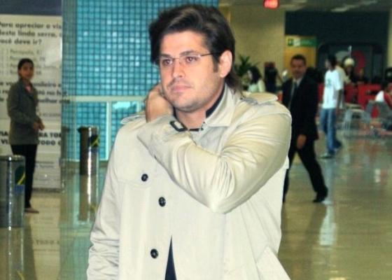 Dado Dolabella no aeroporto Santos Dumont, no centro do Rio de Janeiro (31/5/10)