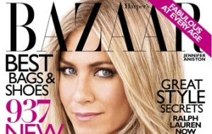 A atriz Jennifer Aniston na capa de agosto da revista