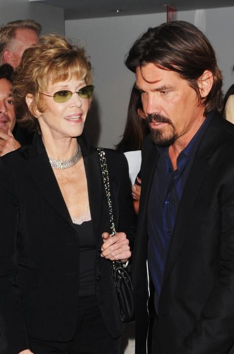 """Os atores Jane Fonda e Josh Brolin na première de """"The Tillman Story"""" em Nova York (9/8/2010)"""