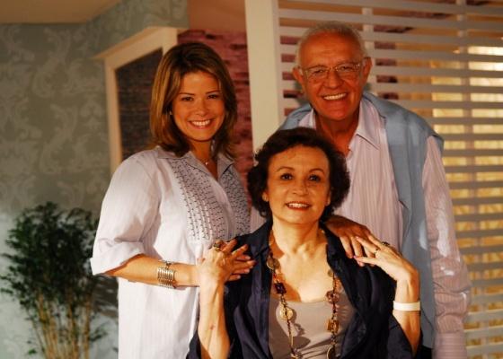 Samara Felippo, Ney Latorraca e Joana Fomm em cena