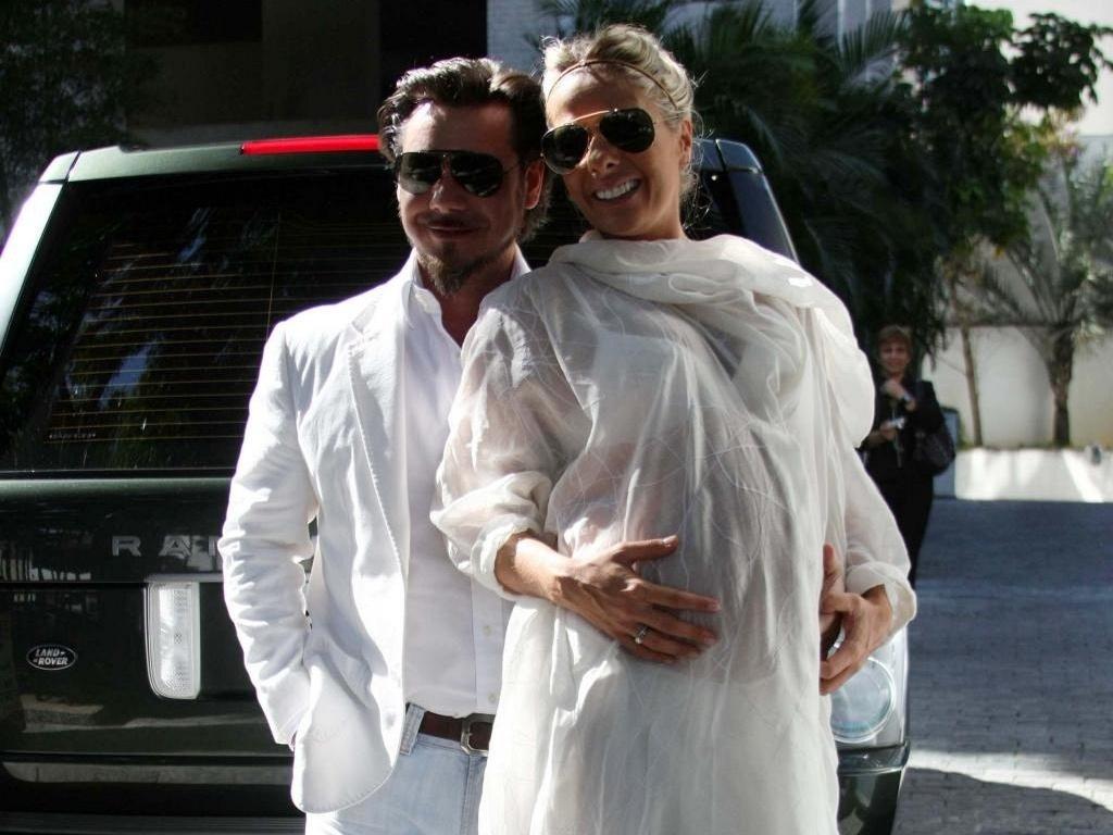 Alexandre Iódice e Adriane Galisteu se casam em São Paulo (19/6/10)