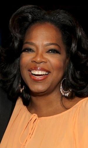 A apresentadora Oprah Winfrey em jantar na Califórnia (10/6/2010)