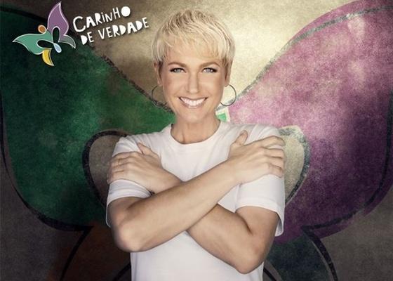 Xuxa é a madrinha da campanha Carinho de Verdade (outubro/2010)