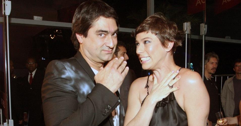 Zeca Camargo e Maria Paula se divertem na festa de 20 anos da MTV, no Píer Mauá, Rio de Janeiro (20/10/2010)