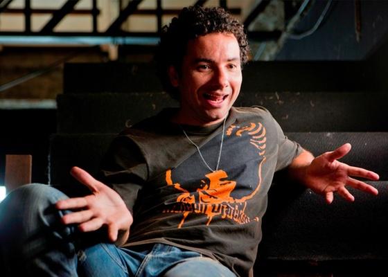 Marco Luque durante entrevista nos bastidores do show Tamo Junto, no teatro Frei Caneca, em São Paulo (20/10/2010)