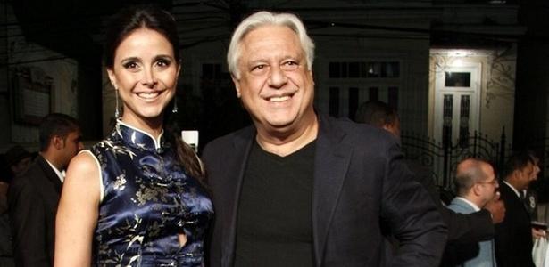 Alexandra Martins e Antonio Fagundes prestigiam prêmio de teatro no Rio (16/11/10)