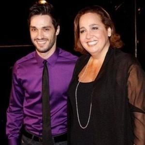 O ator Guilherme Trajano vai ao aniversário de 52 anos de Claudia Jimenez em clube na zona sul do Rio (18/11/10)