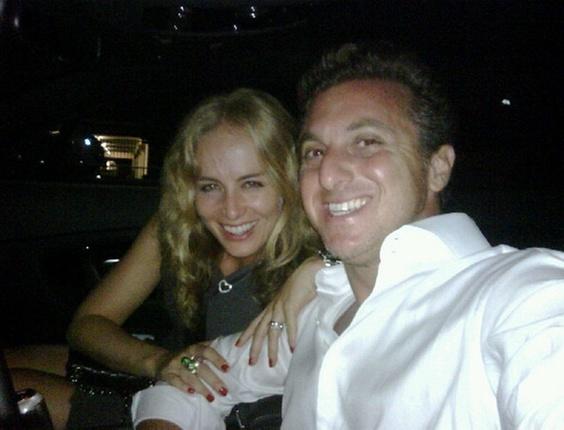 Angélica e Luciano Huck em Miami (30/11/10)