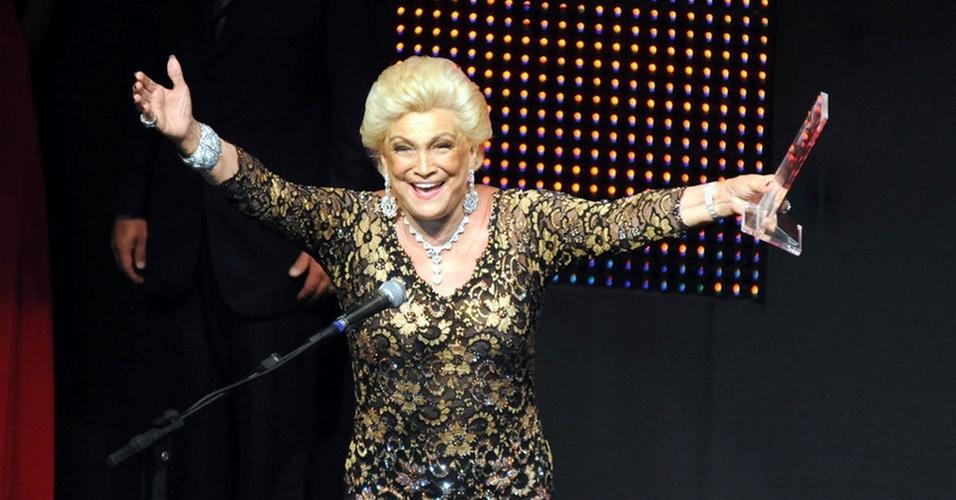 Hebe Camargo é homenageada no Prêmio Extra 2010 no Vivo Rio (7/12/10)