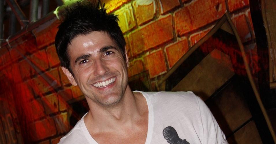 Reynaldo Gianecchini vai à festa Clube no  Rio de Janeiro (10/12/2010)