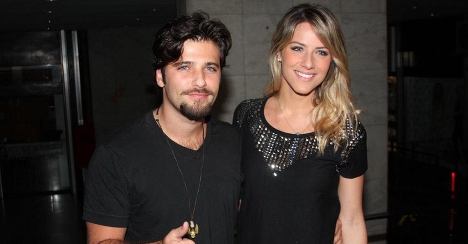 Bruno Gagliasso e Giovanna Ewbank em festa em São Paulo (21/10/10)
