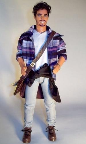 Marcus Baby cria boneco inspirado no ator Caio Castro  (14/12/10)