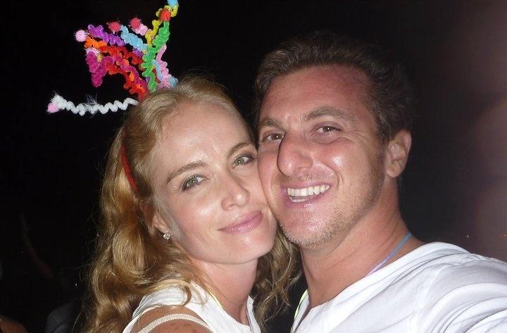 Angélica e Huck curtem o Réveillon em Angra dos Reis, Rio (1/1/2011)