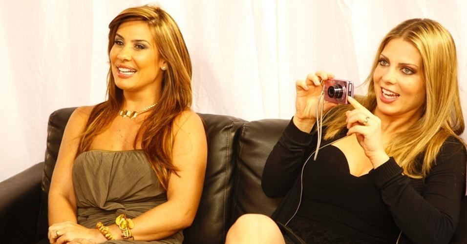 Scheila Carvalho e Sheila Mello nos bastidores do programa