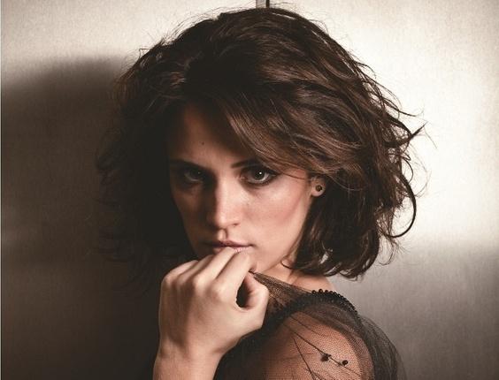 """Bianca Bin em entrevista à revista """"Contigo!"""" (19/1/2011)"""
