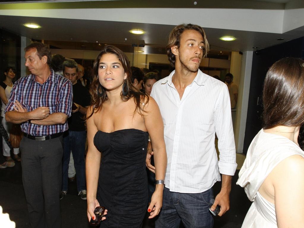 Priscila Fantin e Renan Abreu na pré-estreia do filme