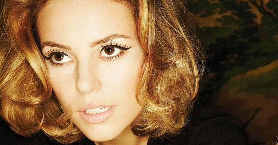 Paola Oliveira é capa da revista Joyce Pascowitch de janeiro
