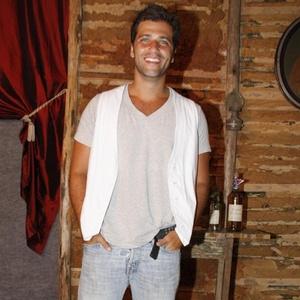 """Bruno Gagliasso vai à apresentação do elenco de """"Cordel Encantado"""" à imprensa no Projac, zona oeste do Rio (24/1/2011)"""