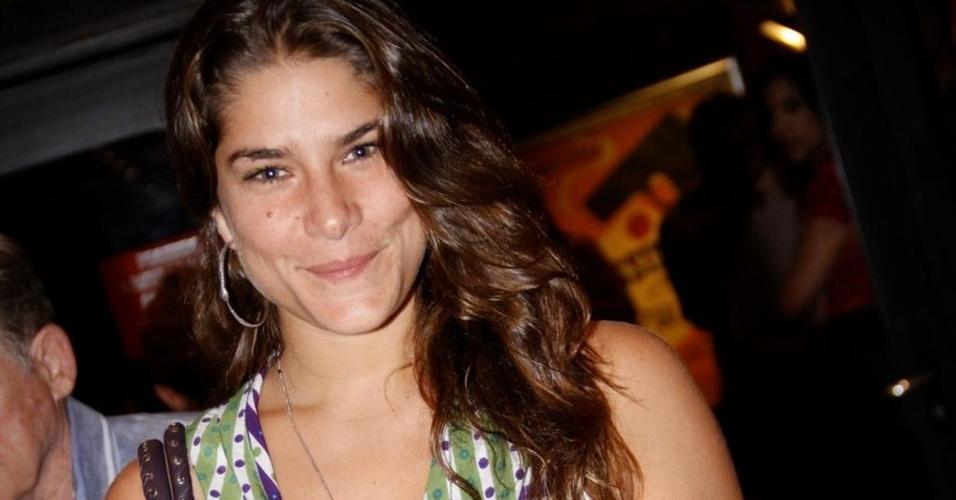 Priscila Fantin em pré-estreia de teatro no Rio (7/1/2011)