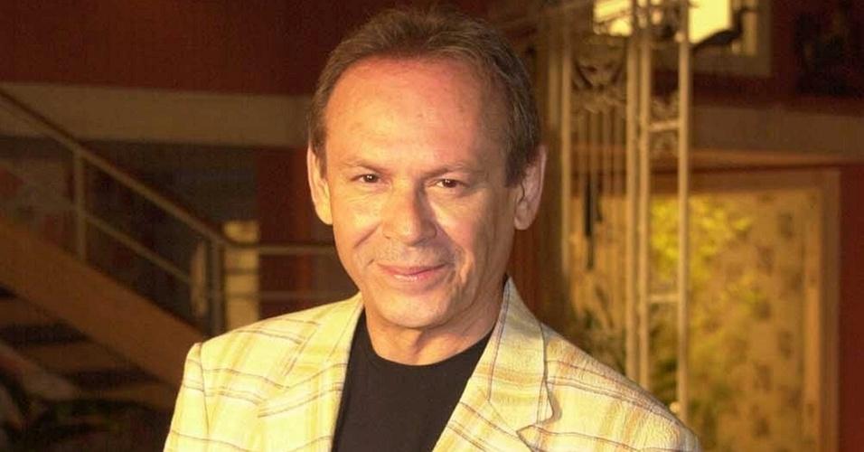 José Wilker interpreta Giovanna Improtta em