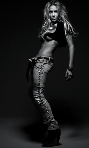 "Deborah Secco posa para a revista ""Rolling Stone"" (fev/2011)"