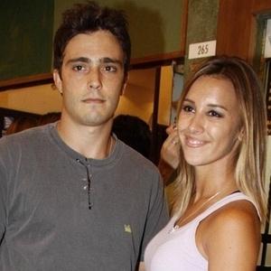 """Thiago Rodrigues e Cristiane Dias na estreia da peça """"Rostos"""" no shopping da Gávea (13/1/2010)"""