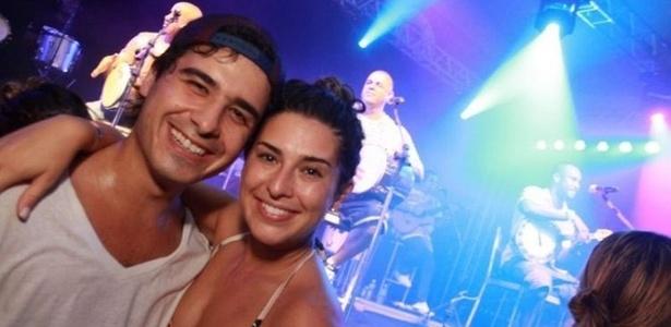 André Arteche e Fernanda Paes Leme no show do Exalta Samba no clube Monte Líbano, no Rio (7/2/2011)