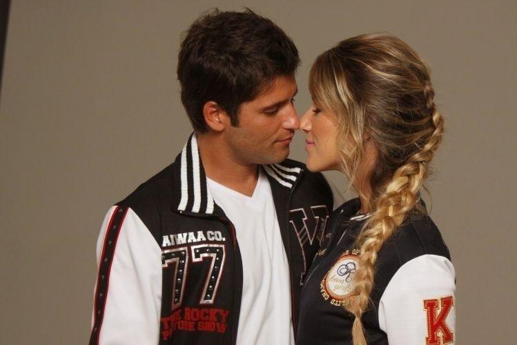 Bruno Gagliasso e Giovanna Ewbank posam para catálogo de moda de uma marca de roupas no Rio (7/2/2011)