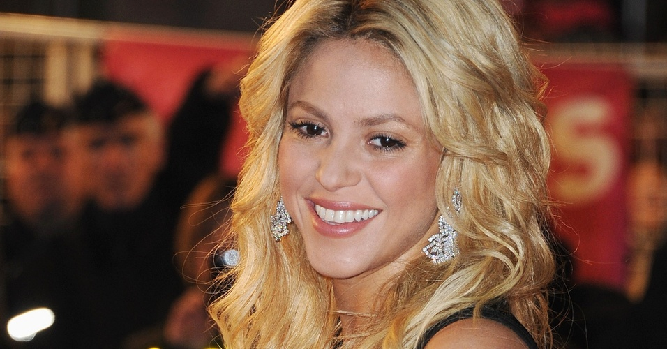 Shakira no NRJ Music Awards 2011 em Cannes (22/1/2011)