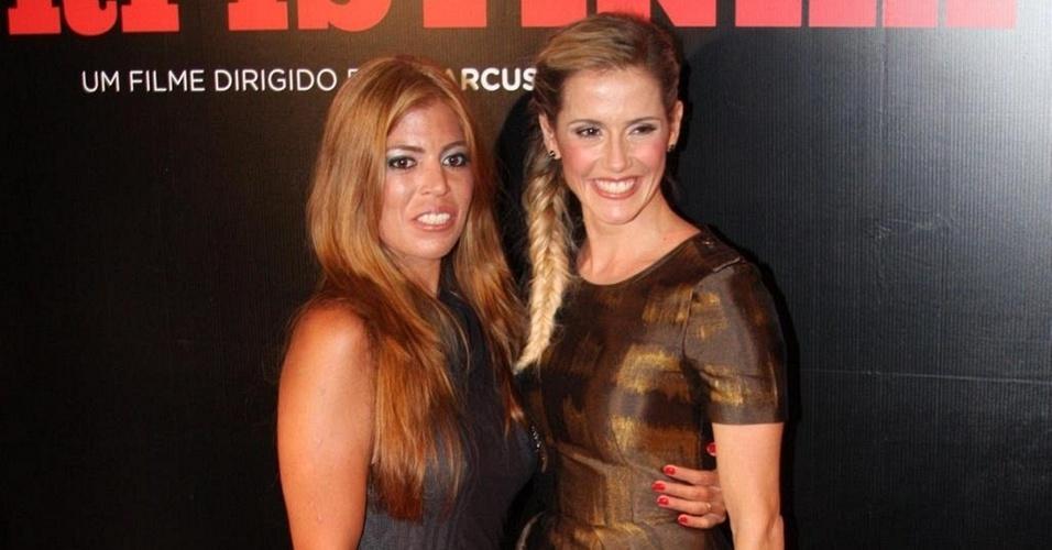 """Raquel Pacheco e Deborah secco vão à pré-estreia do longa """"Bruna Surfistinha"""", em São Paulo (22/2/2011)"""