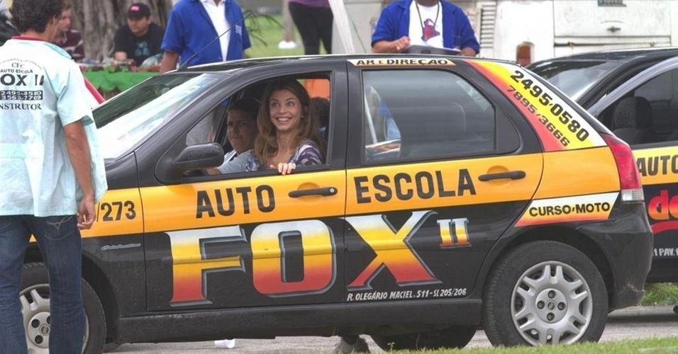 Grazi Massafera é aprovada em exame de direção na zona oeste do Rio (27/10/2010)